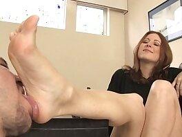 domination-fetish-foot-foot fetish