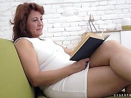 girl on girl-lesbian-old and young-older