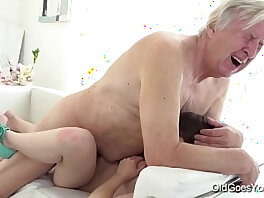 granny-old and young