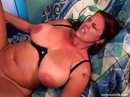big boobs-boobs-car-cougar