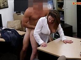 boobs-lady-money-natural